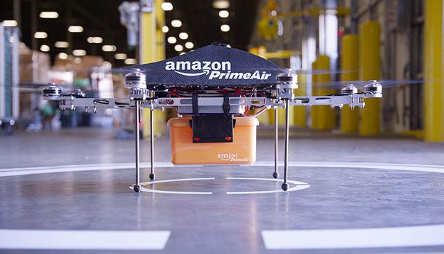 أمازون تبدأ خدمة توصيل منتجاتها بطائرة بدون طيار