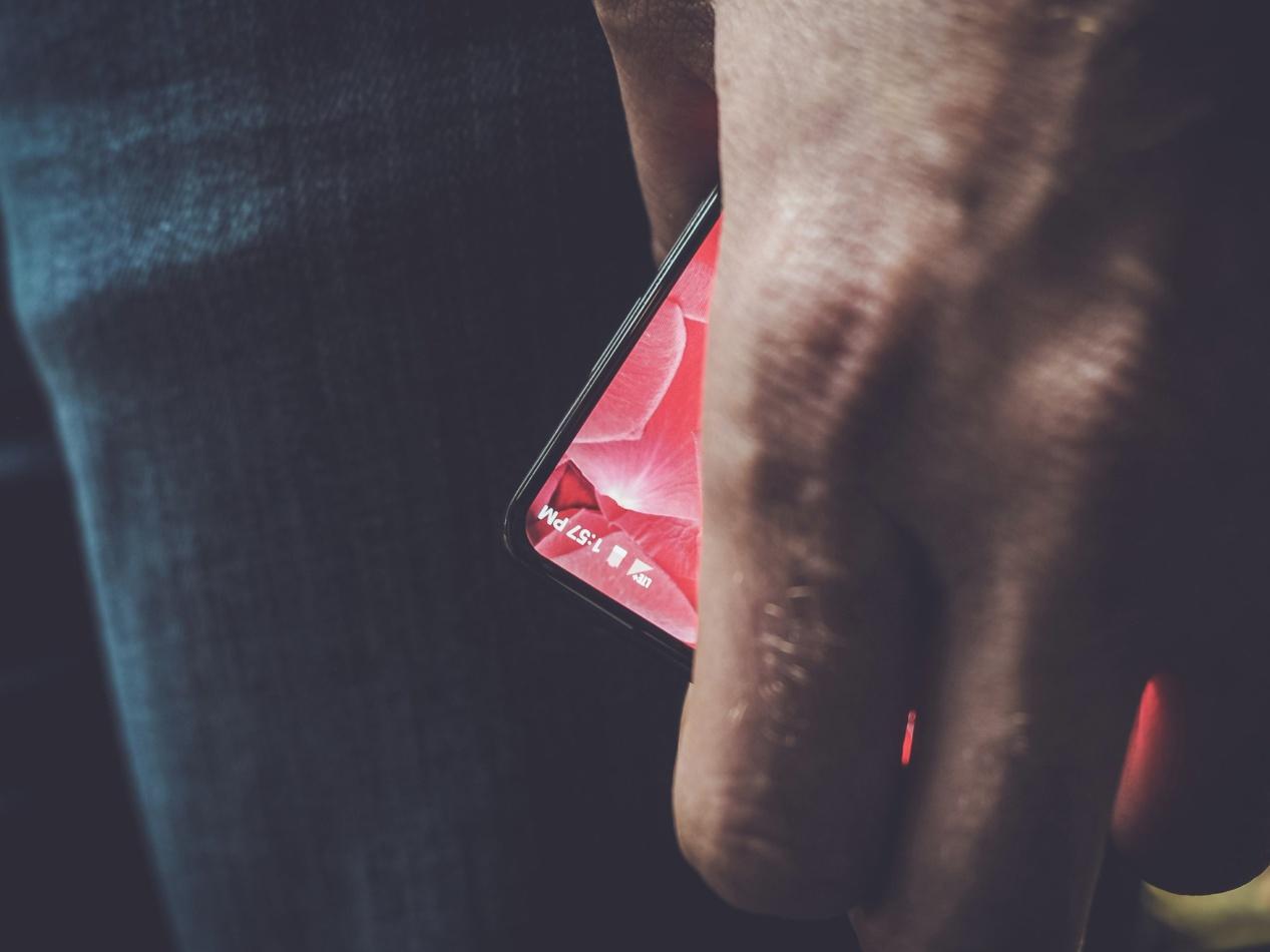 مخترع نظام أندرويد Andy Rubin  يعمل علي هاتف جديد متطور تعرف علي مواصفاتة
